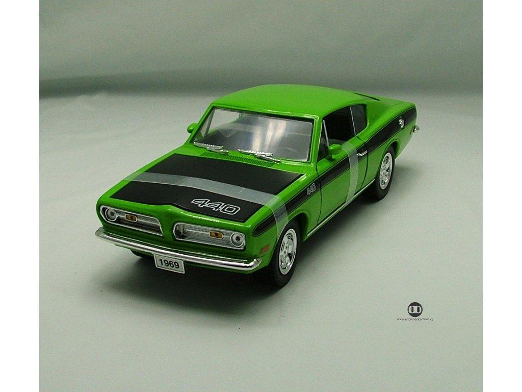 Plymouth Barracuda 440 1969 zelená + černá kapota 1:18 Yat Ming