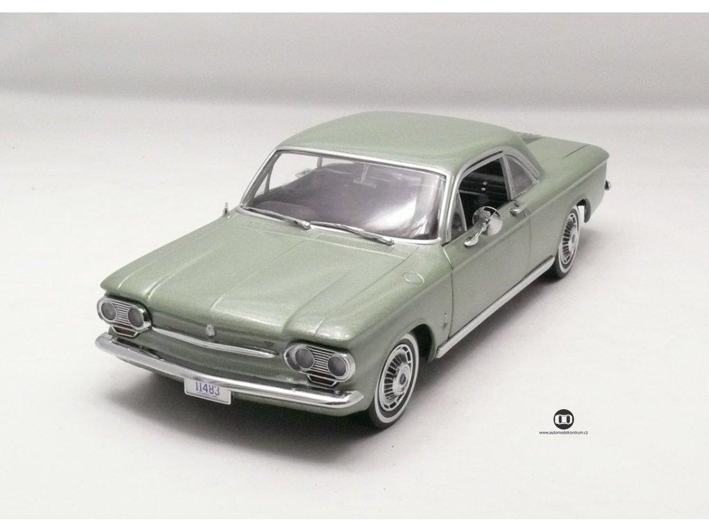 Chevrolet Corvair 1963 Coupe zelená vavřín 1:18 Sun Star