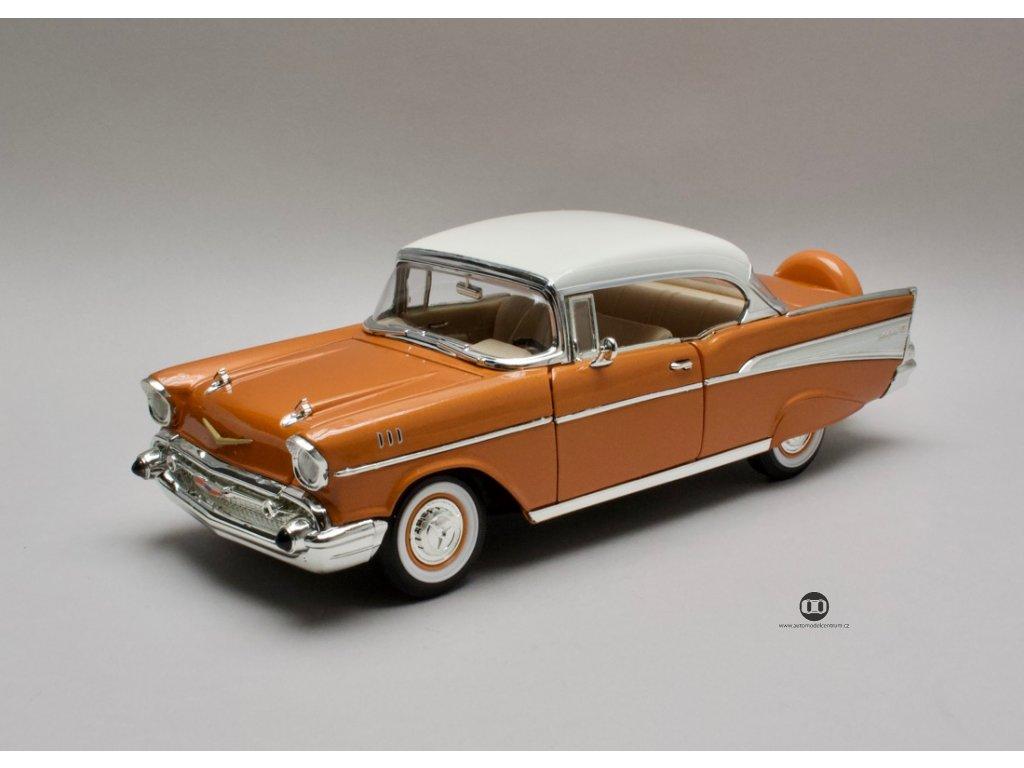 Chevrolet Bel Air 1957 Hard top zlatá-bílá střecha 1:18 Lucky Die Cast