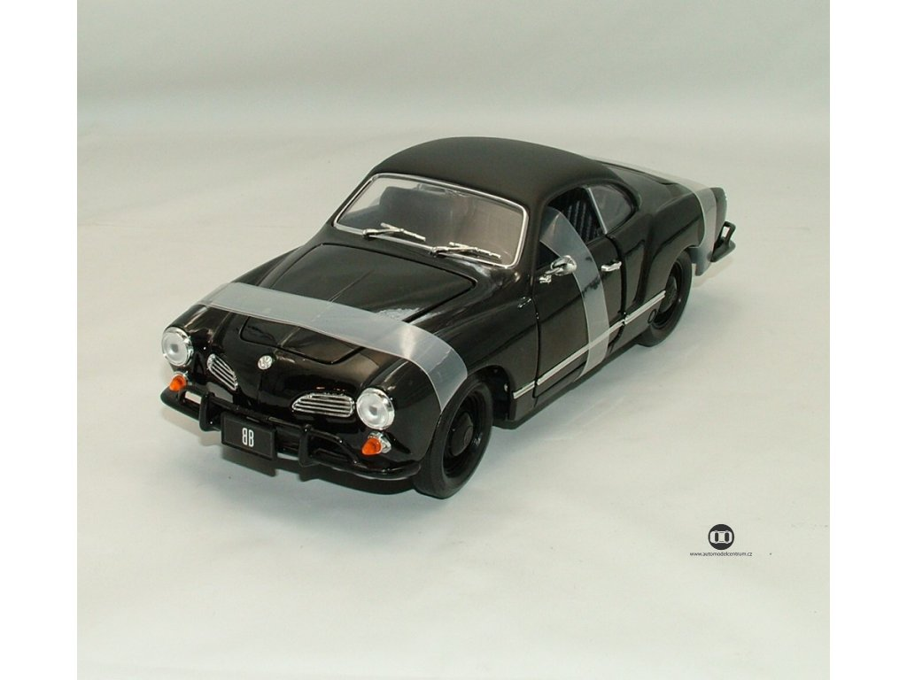 VW Karmann - Ghia 1966 serie Black Bandit 1:18 Greenlight