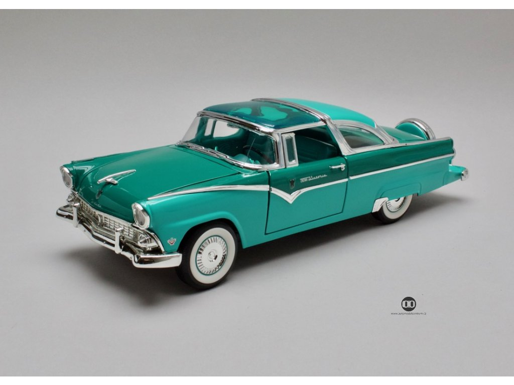 Ford Fairlane Crown Victoria 1955 zeleno-zelená 1:18 Lucky Die Cast