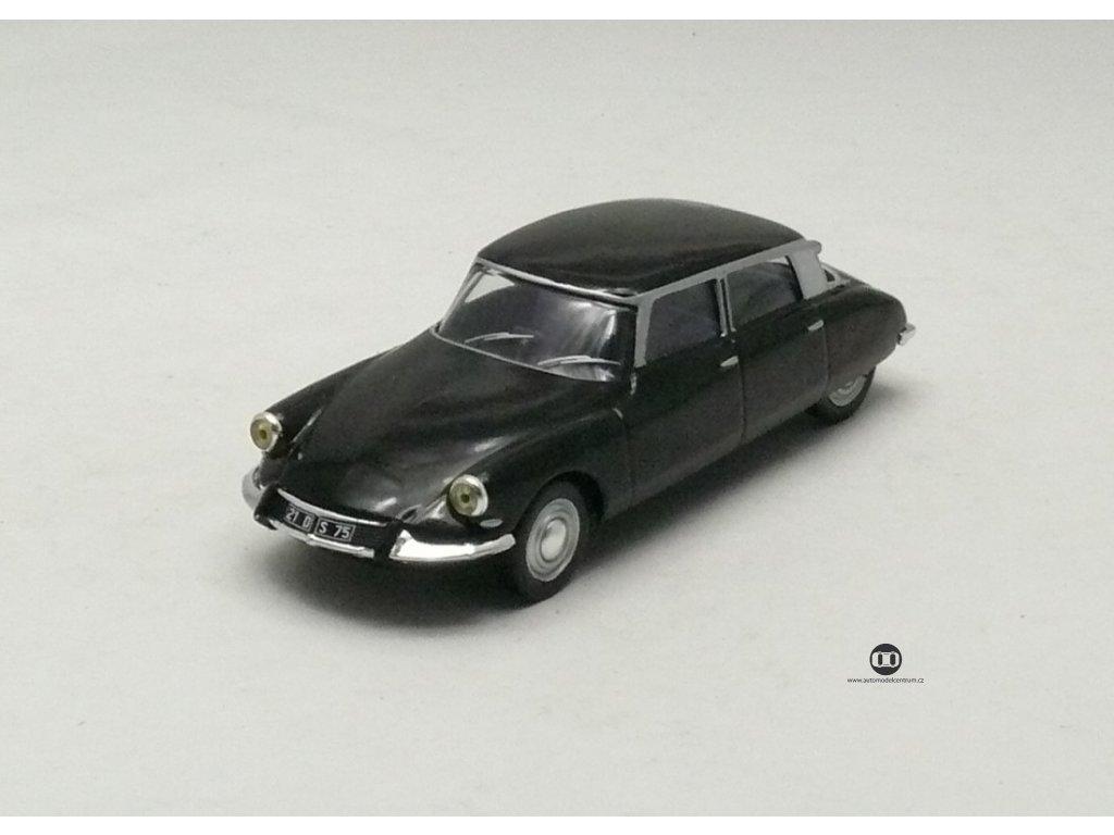 Citroen DS 21 1966 černá 1:43 Champion