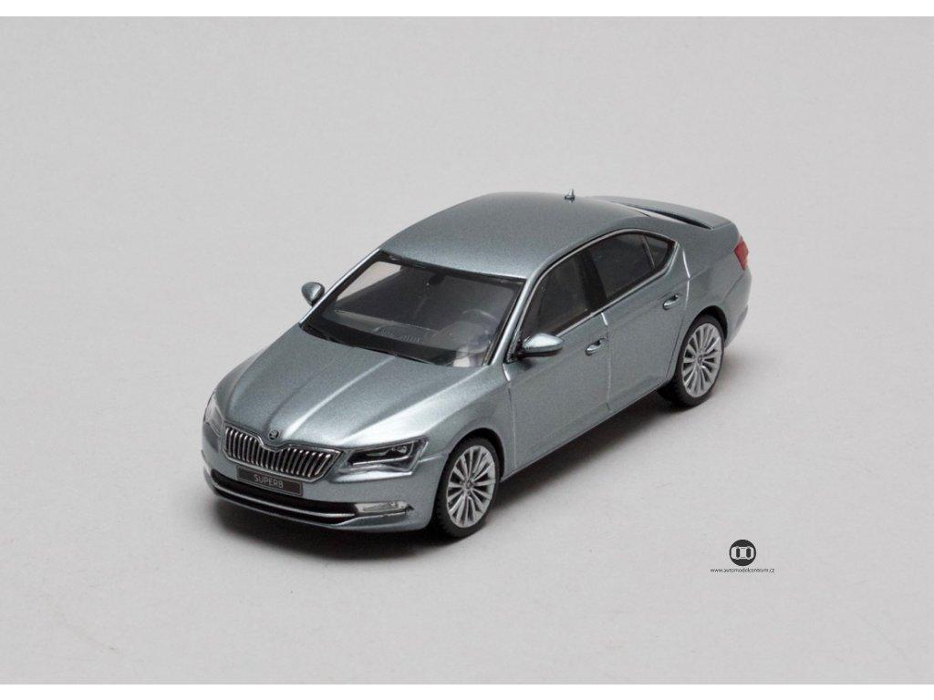 Škoda Superb III Limusine metalíza šedá 1-43 I-scale