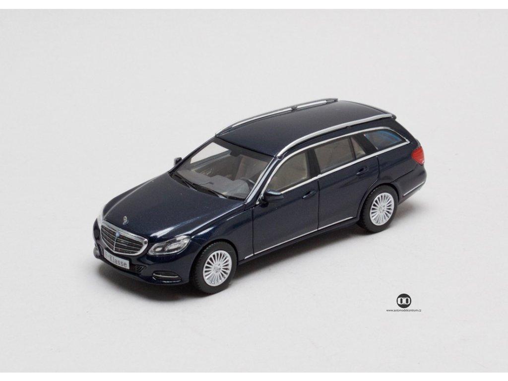 Mercedes E-Klass (S212) T-Model tm. modrá 1:43 I-Scale