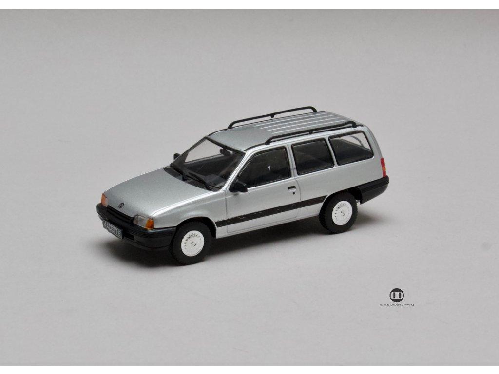 Opel Kadett E Caravan stříbrná Gordon Brown 1:43 Champion