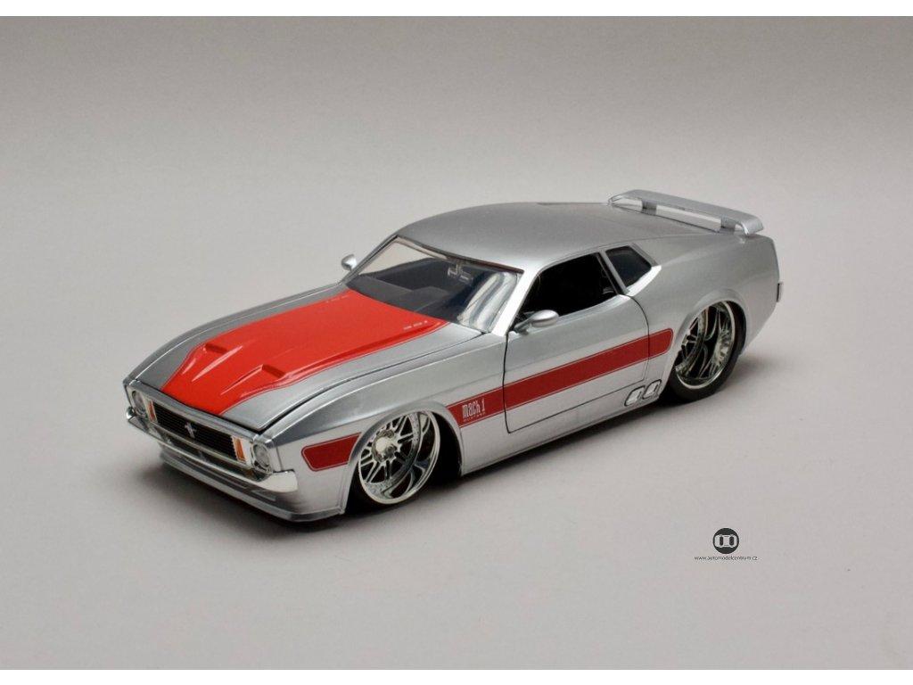 Ford Mustang Mach 1 1973 V-Spek stříbrná 1:24 Jada