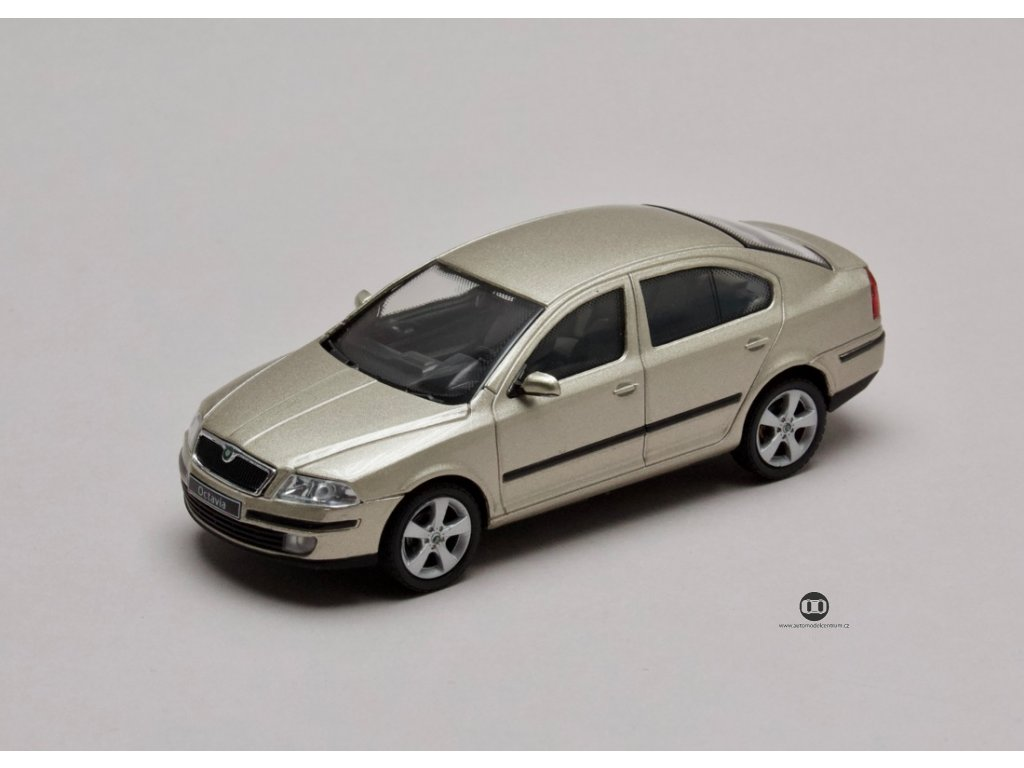Škoda Octavia II 2004 béžová Sahara 1:43 Abrex