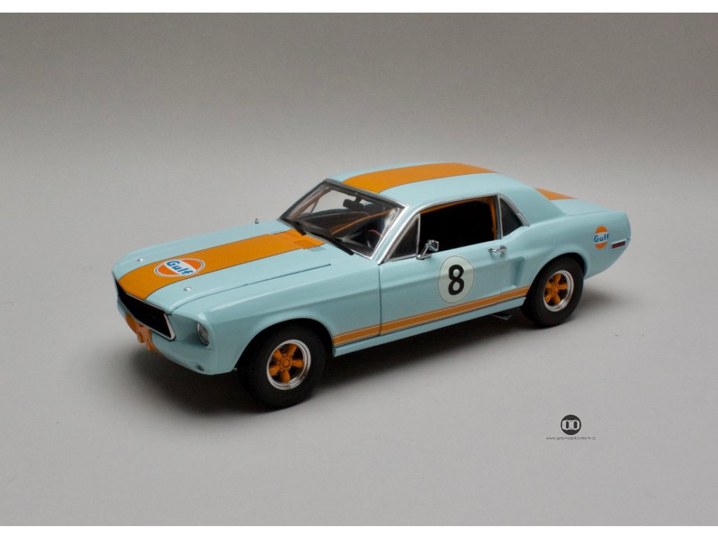 Ford Mustang Coupe 1967 # 8 Gulf Oil 1:18 Greenlight