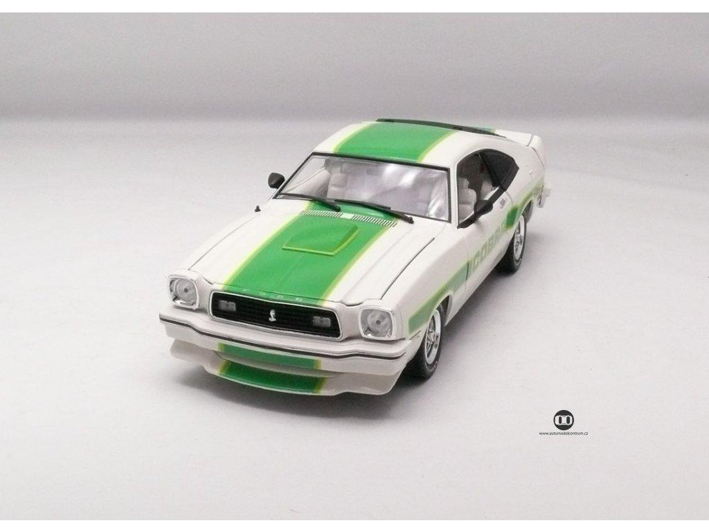 Ford Mustang II Cobra II 1978 bílá-zelené pruhy 1:18 Greenlight