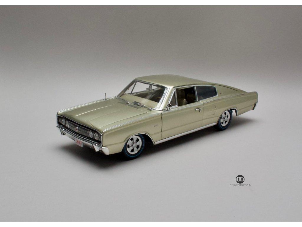 Dodge Charger Fastback 1966 citronově zlatá 1:18 Auto World