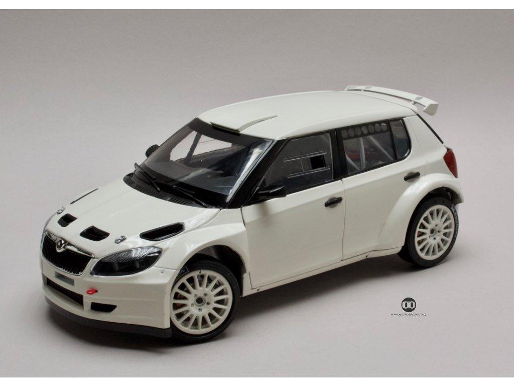 Škoda Fabia II FL S2000 (2010) bílá 1:18 Abrex