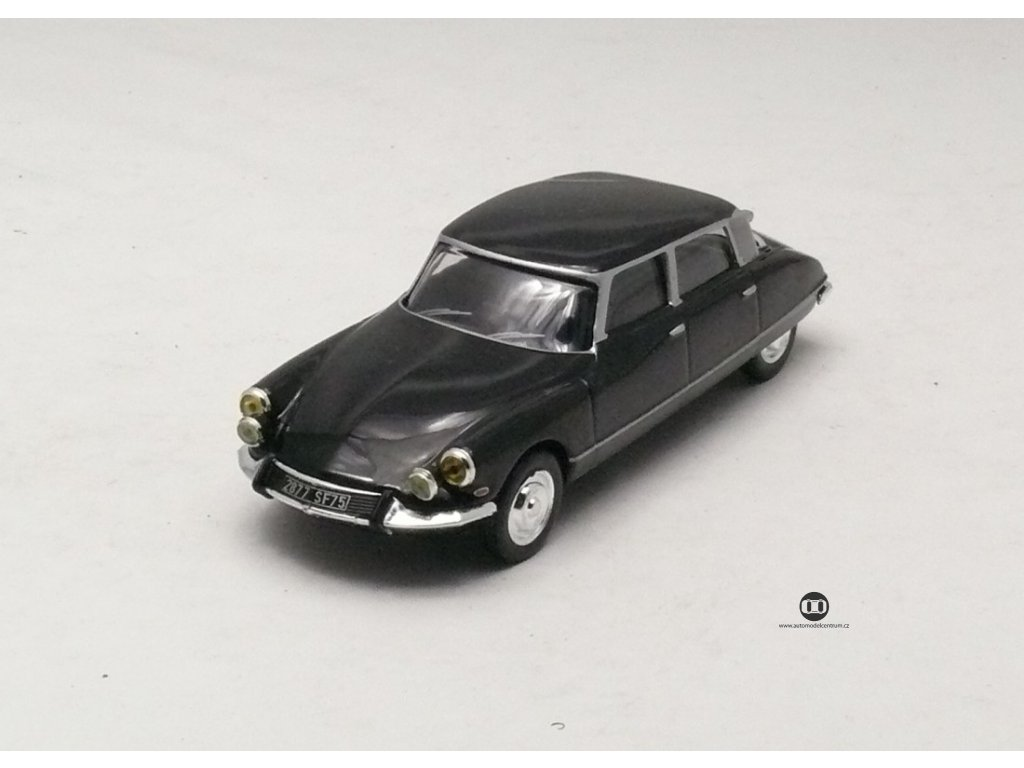 Citroen DS 19 Pallas 1965 černá 1:43 Car Selection