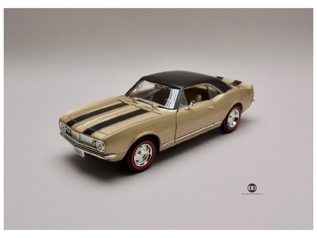 Chevrolet Camaro Z28 1967 zlata cerna strecha 1 18 Lucky Die Cast 92188 01