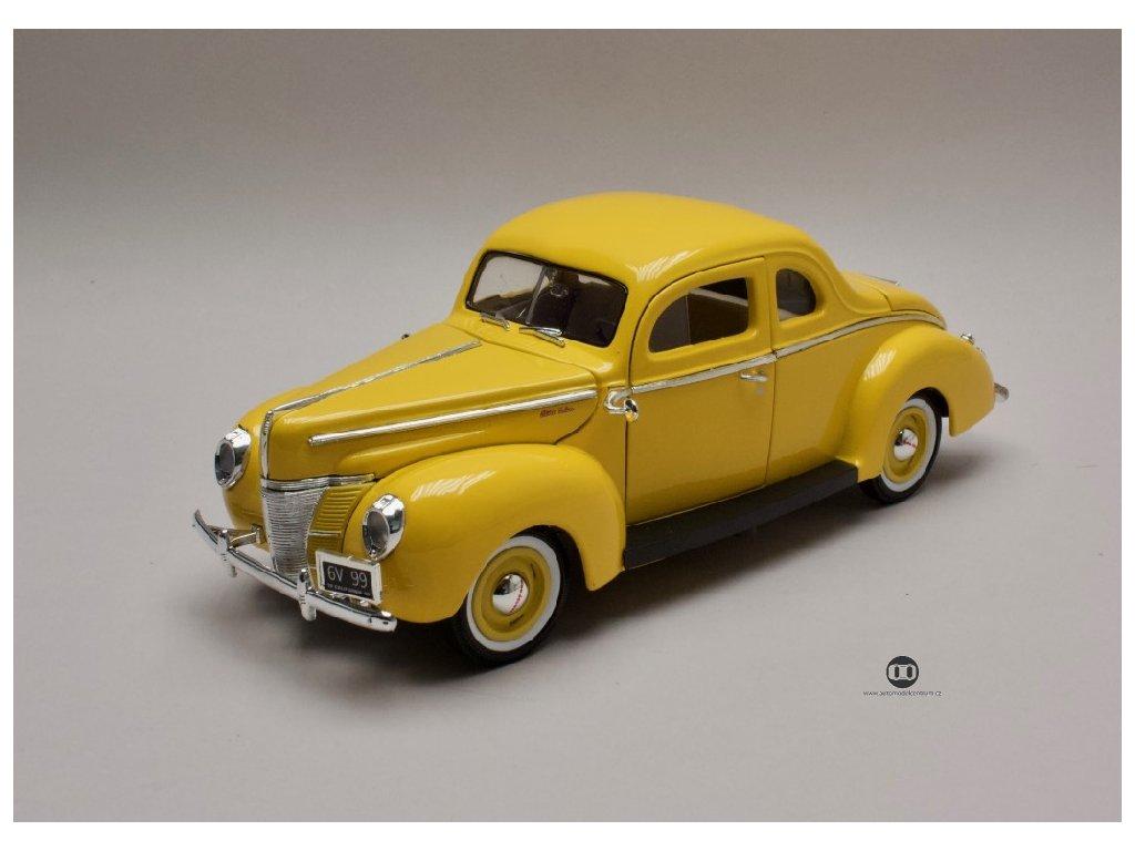 Ford Deluxe 1940 zluta 1 18 MotorMax 73108 01