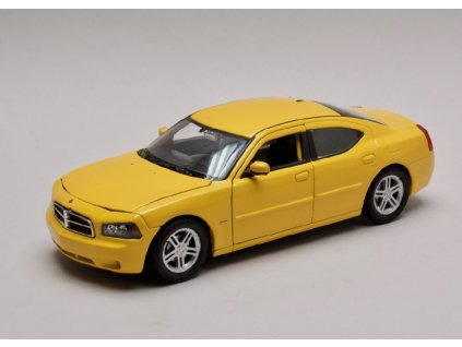 Dodge Charger r t 2006 zluta 1 24 Welly 22476 01