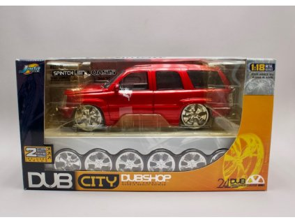 Cadillac Escalade 2002 + sada kol navic Model Kit Dub City 1 18 Jada 65102 01
