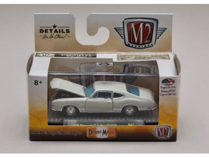 Oldsmobile Cutlass 442 1970 béžová 1 64 M2 Machines 32600 R47 01