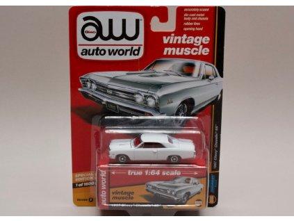 Chevrolet Chevelle SS 1967 bílá 1 64 Auto World 64132 01