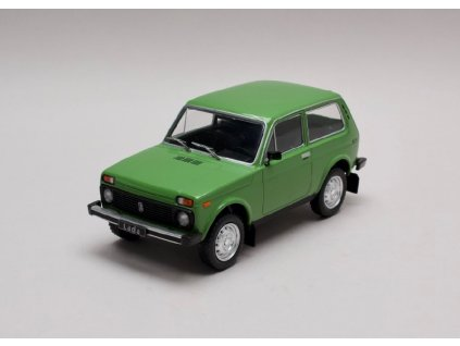 Lada Niva zelená 1 24 WhiteBox 124037 01