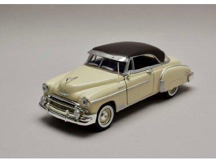 Chevrolet Bel Air 1950 slonová kost černá střecha 1 24 Motor Max 73268 01
