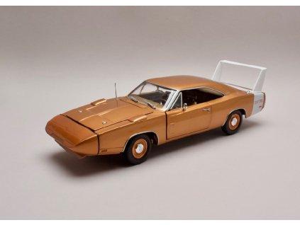 Dodge Charger Daytona 1969 bronzová 1 18 Auto World AMM 1168 01