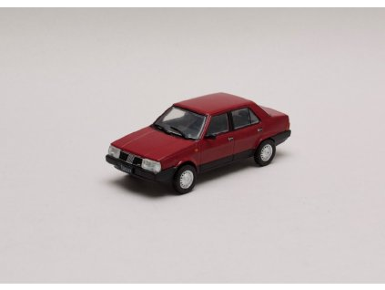 Fiat Regatta 1985 červená 1 43 Champion 01