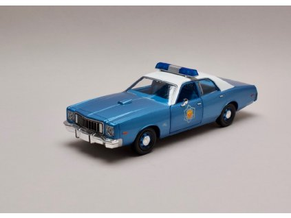 Plymout Fury 1975 Police %22Smokey and the Bandit 1977%22 1 24 Greenlight 84102 01