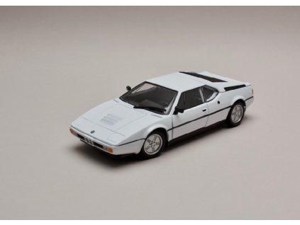 BMW M1 bílá 1 24 Welly 24098 01