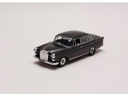 Mercedes Benz 200D 1965 W110 černá 1 43 Car Selection 01