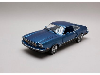 Ford Mustang II Mach I 1976 modrá 1 18 Greenlight 12868 01