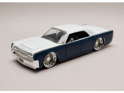 Lincoln Continentál 1963 Hard top modro bílá 1 24 Jada Toys 98554 01