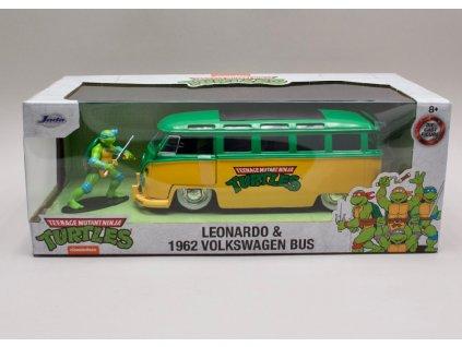 Volkswagen Bus T1 1962 + figurka Leonardo %22Želvy Ninja%22 1 24 Jada Toys 31786 01