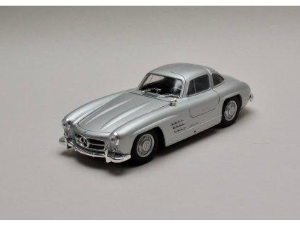 Mercedes-Benz 300SL 1957 W198 stříbrná 1:24 Welly