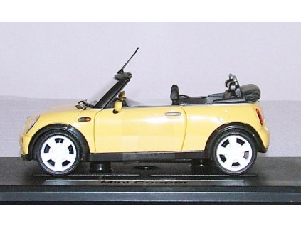 Mini Cooper Convertible žlutá 1:24 Mondo Motors