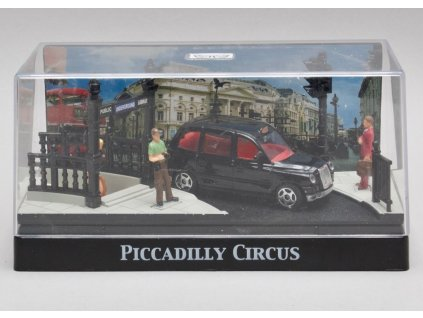 Austin taxi diorama Piccadilly Circus 1:64 Motor Max