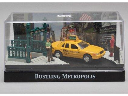 Ford Ceown taxi diorama Bustling Metropolis 1:64 Motor Max