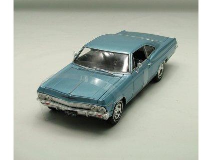 Chevrolet Impala SS 396 1965 světle modrá metalíza 1:24 Welly