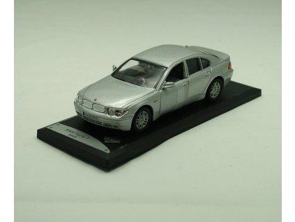 BMW 7 serie 2005 stříbrná 1:43 Solido