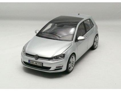 VW Golf 7 2014 5 dvéřový stříbrná 1:18 Norev
