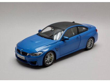 BMW M4 F82 Coupé 2015 modrá 1:18 Paragon