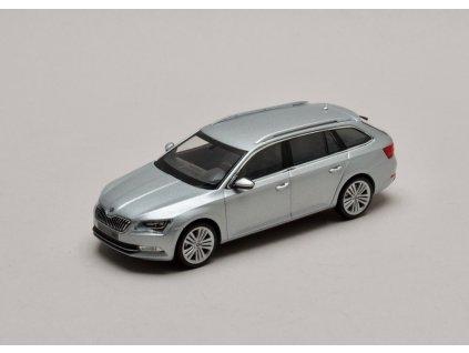 Škoda Superb III Combi stříbrná Brilliant 1:43 i-scale