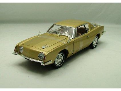 Studebaker Avanti 1963 zlatá 1:18 Signature