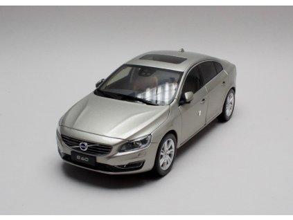 Volvo S60 2015 Nový design šedo-stříbrná met. 1:18 Motor City
