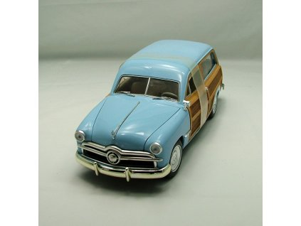 Ford Woody Station Wagon 1949 sv. modrá 1:18 Motor City Classics