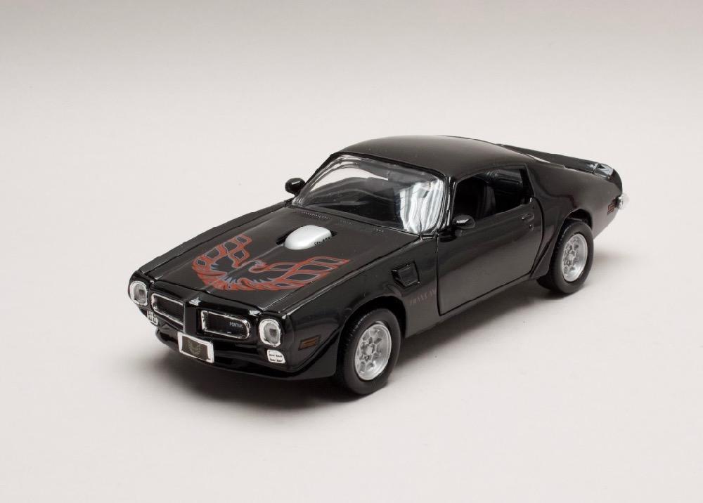 Pontiac Firebird Trans Am 1973 černá 1:24 Motor Max