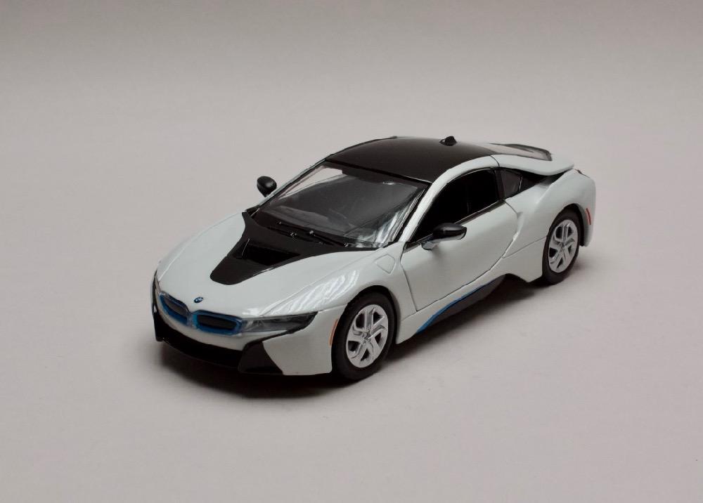 BMW I8 Coupe 2018 bílá-černá 1:24 Motor Max