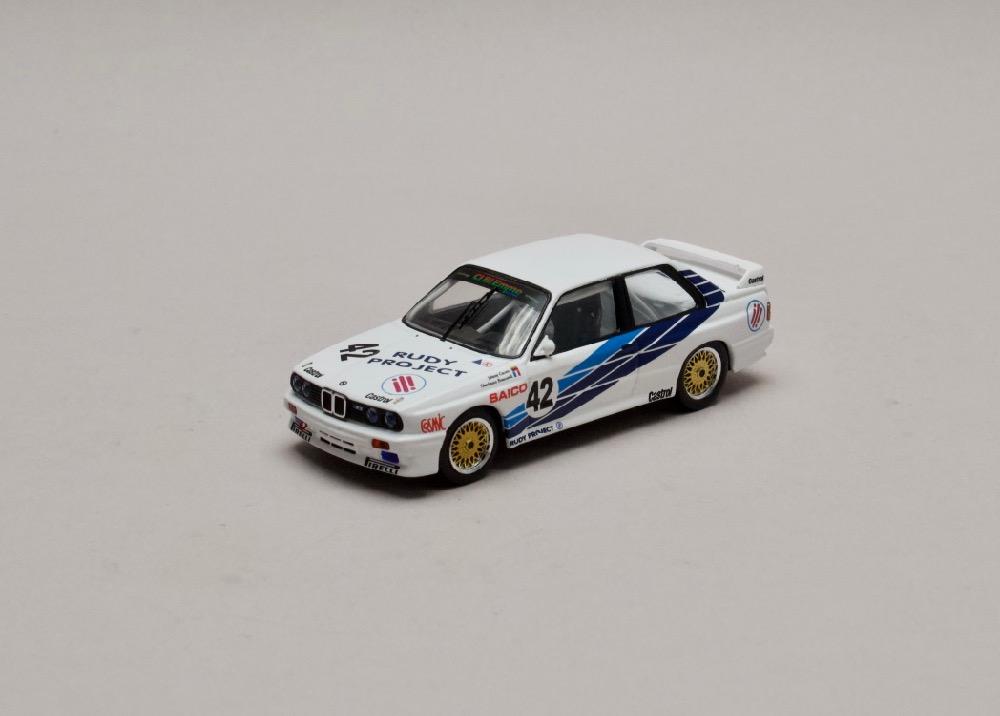BMW E30 M3 #42 Dijon 1987 1:43 IXO