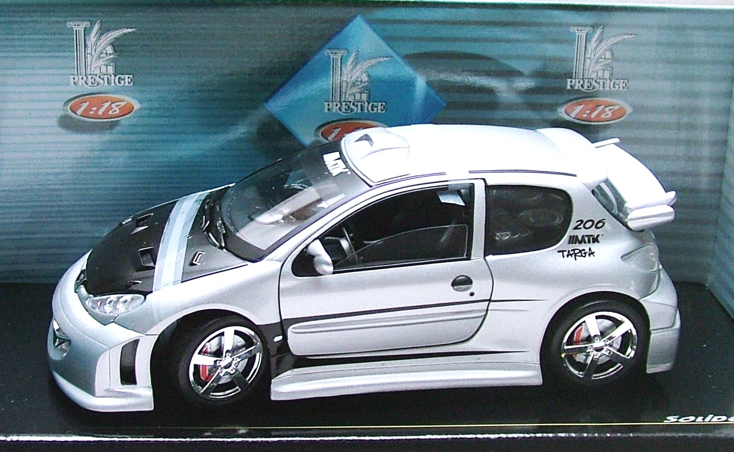 Peugeot 206 Tuning stříbrná 1:18 Solido