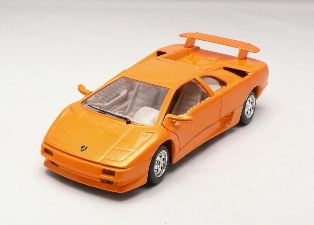 Lamborghini Diablo oranžová 1:24 Bburago