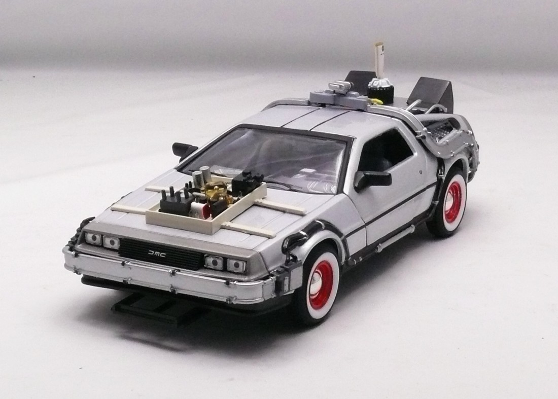 DeLorean 1983 Back To The Future III 1:24 Welly